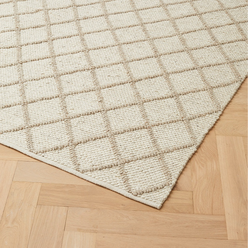 MITRE RUG - GHOST