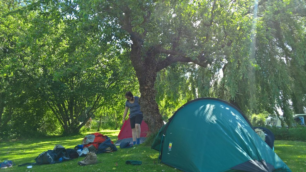 Camping on a lock on the Thames Path