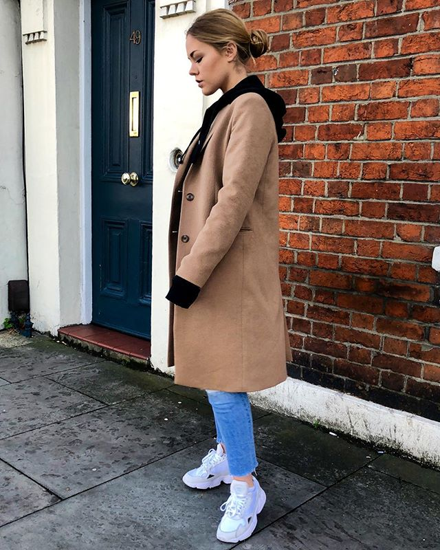 This look and sustainable versions to buy, as all these pieces minus the shoes are old, are on the blog now, click the link in the bio for more 👀 #sustainable #fashion #alternative #look #style #minimal #casual #fashionblogger #sustainablestyle #blog #blogger #uk #london