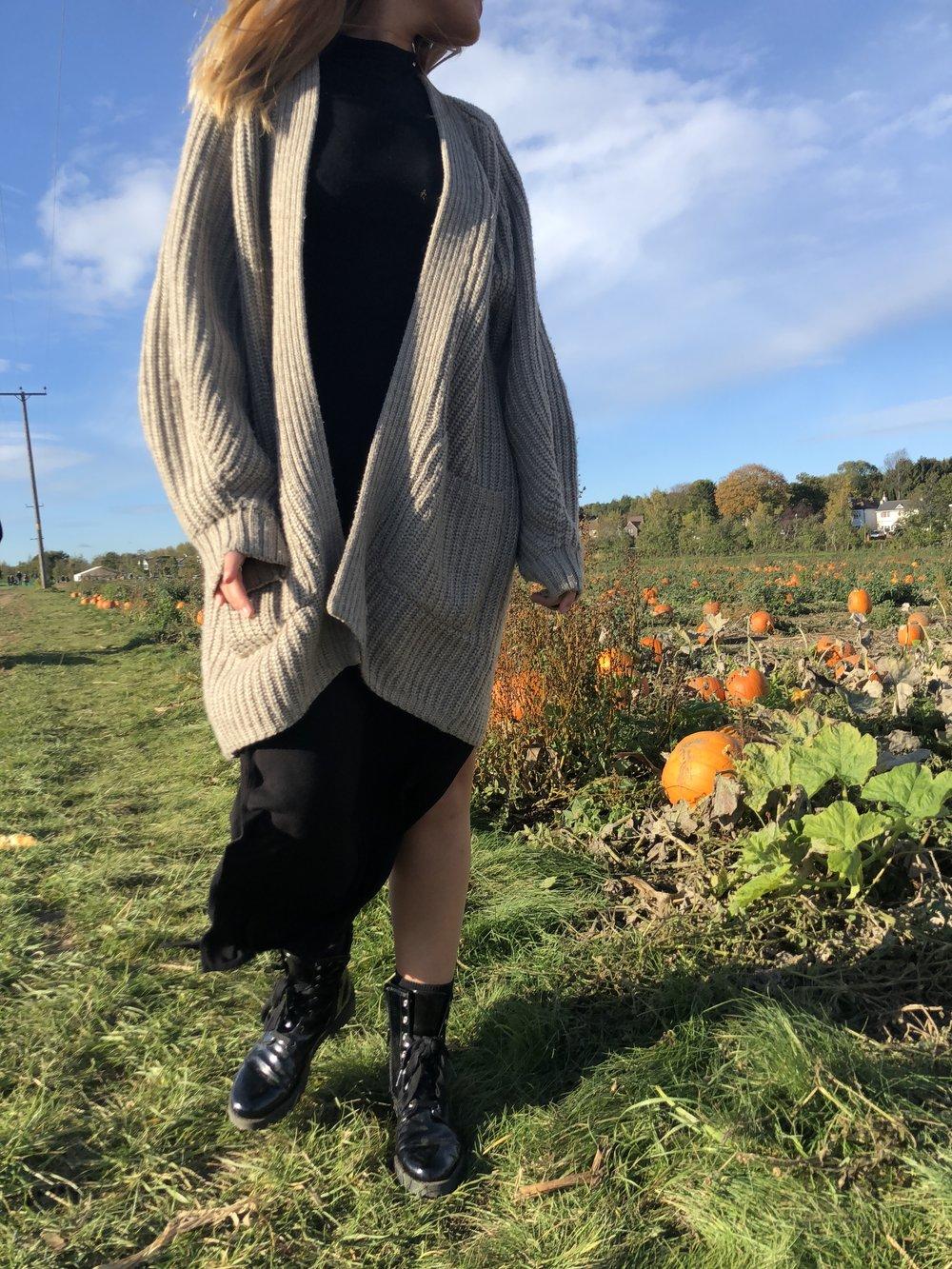 Pumpkin picking - Black DressBeige CardiganBoots