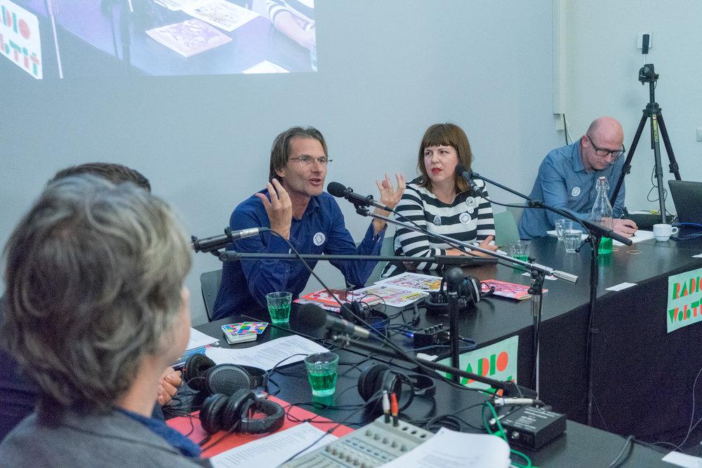 Christiaan Weijts and Maia Matches being interviewed by Lukas Meijsen