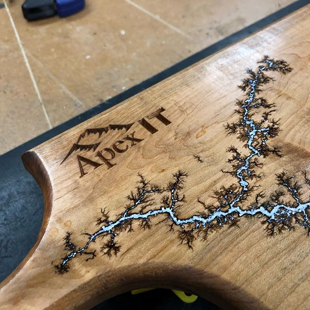 Some year end corporate gifts... maple bread board with Lichtenberg figure and mother of pearl inlay. Also, now offering engraving! #kbwoodcraft #maker #maple #lichtenberg #electric #breadboard #engraving #vermont #grandisle #802