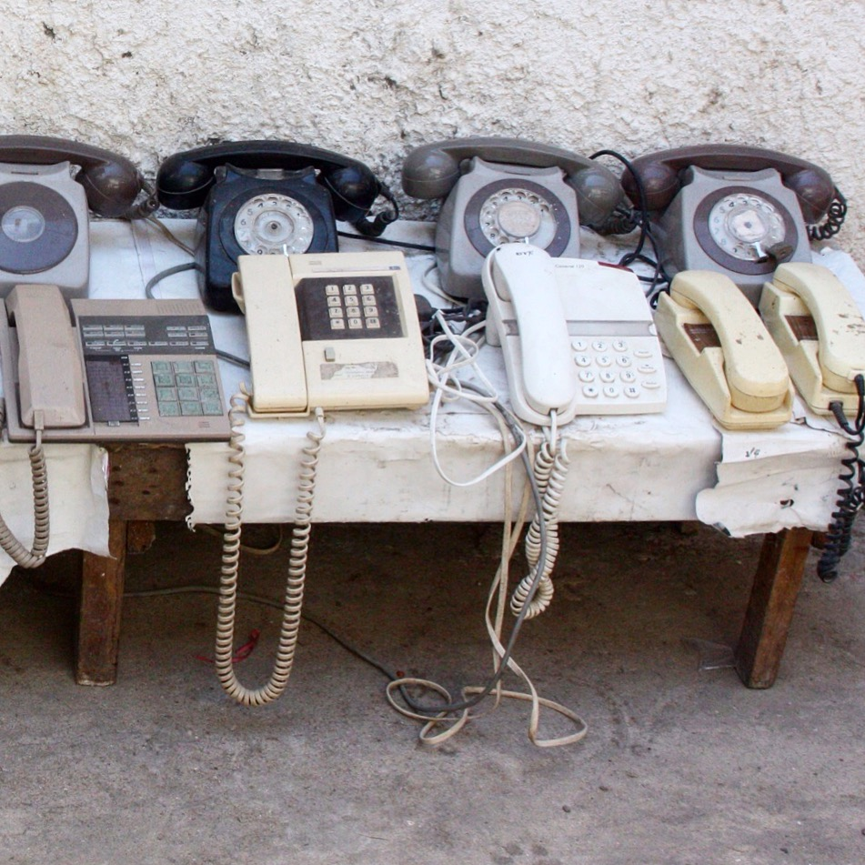 Old fashioned telephones.JPG