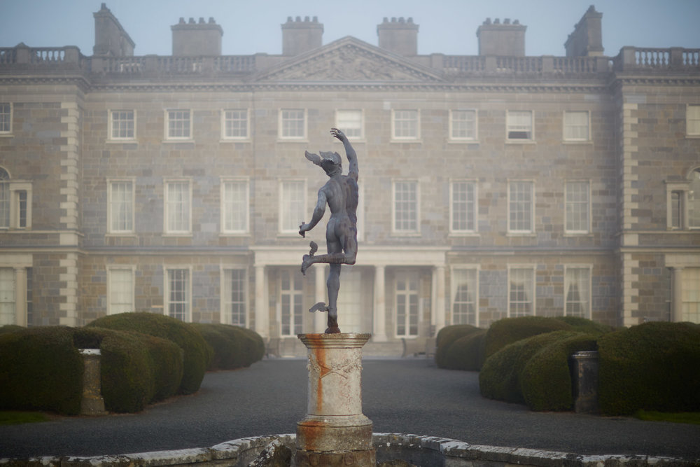 Stacey Van Berkel Photography I Statue in front of Carton House on a foggy morning I Kildare, Ireland
