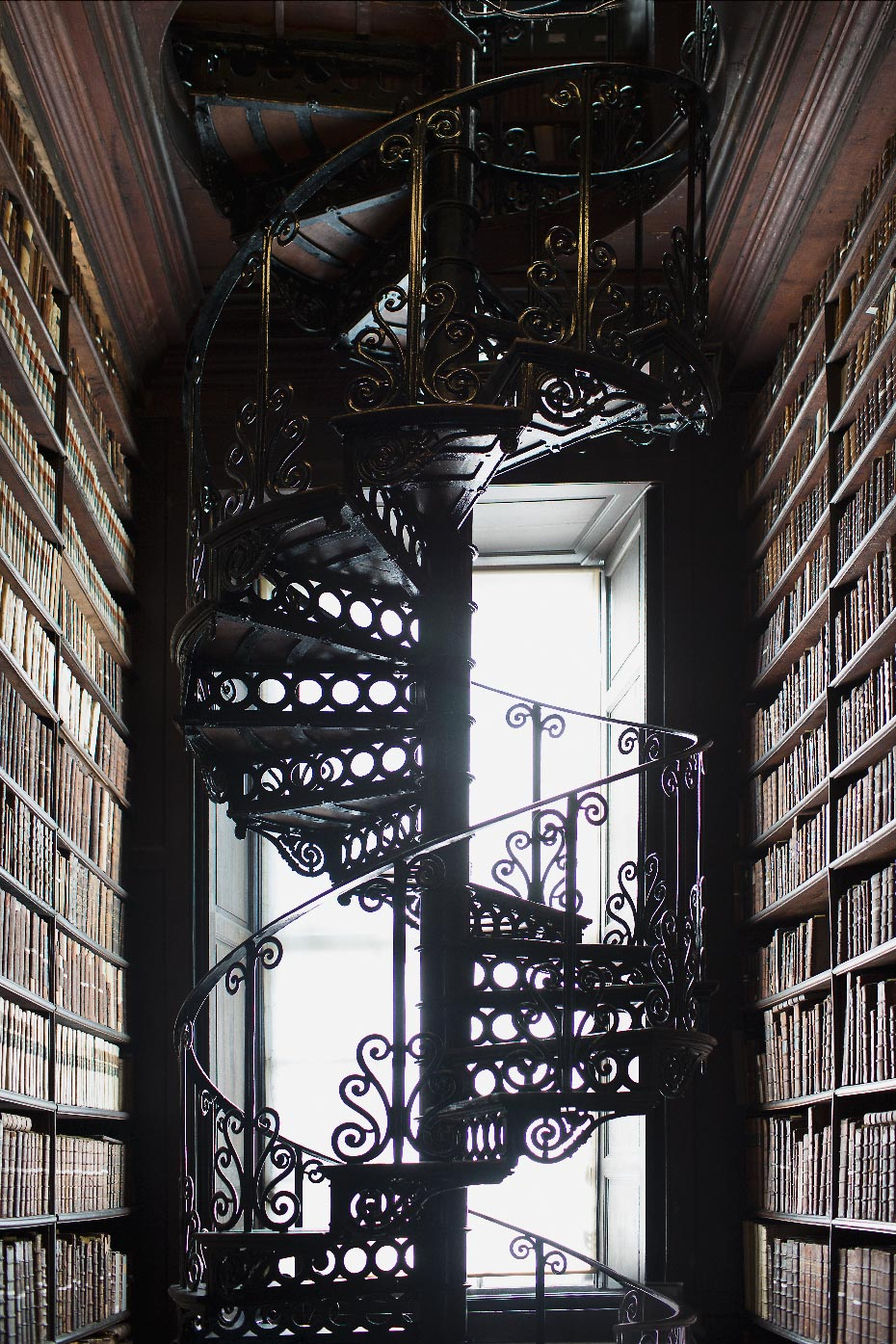 Stacey Van Berkel Photography I Stunning Ornate Spiral Staircase I Trinity College LIbrary I Dublin, Ireland
