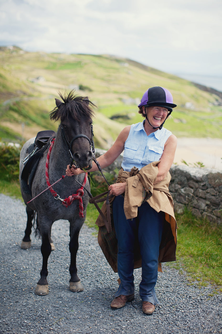 Stacey Van Berkel Photography I Woman with pony I Donegal, Ireland
