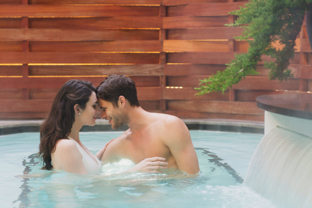 Stacey Van Berkel Photography I Young couple in spa pool I The Umstead Hotel & Spa I Luxury living I Cary, North Carolina
