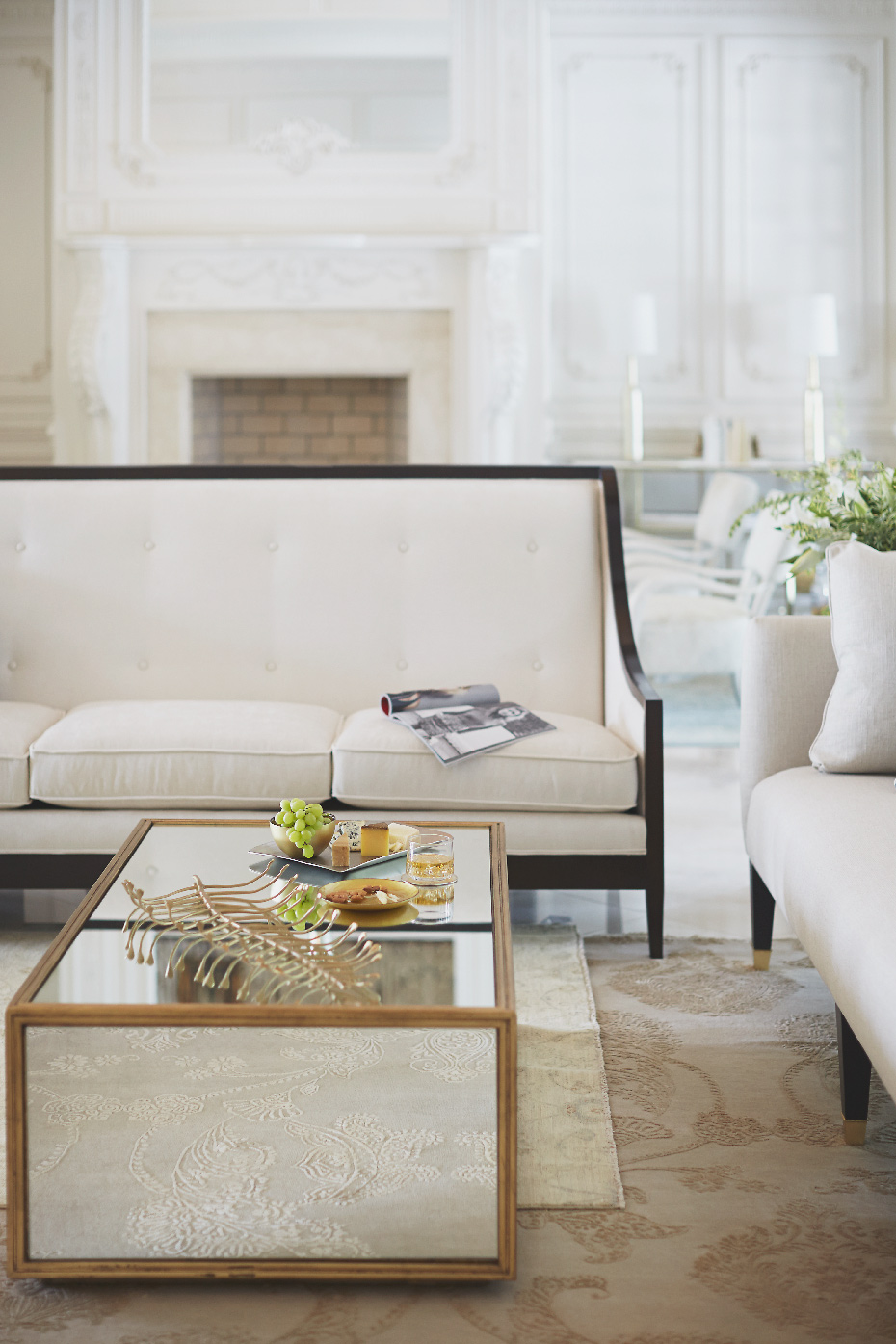 Stacey Van Berkel Photography I Elegant white on white interior I Parisian Apartment I Bernhardt Furniture