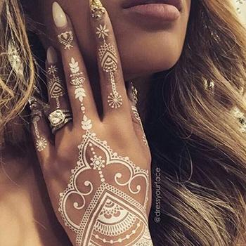Location de modèle henné