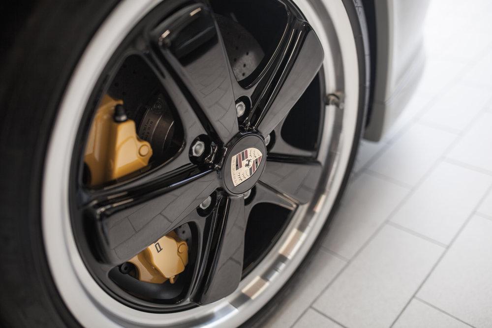 Porsche SportClassic - Master detail -wheel polish + protective  GYEON  coating