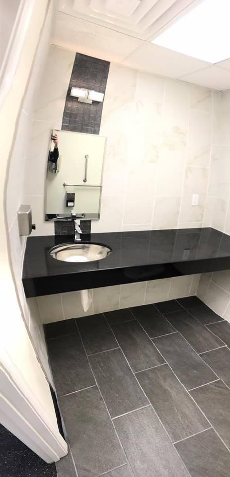 gym bathroom.jpg