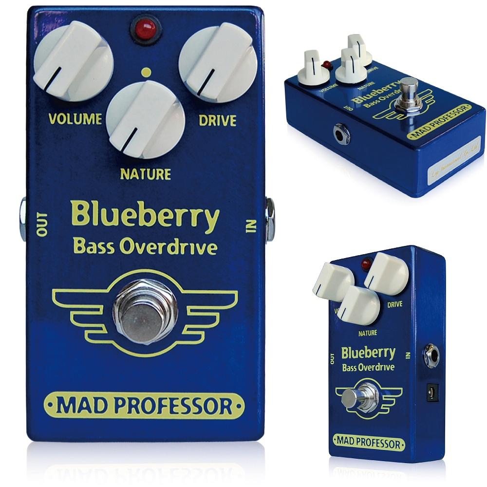 Mad Professor / Blueberry Bass Overdrive マッドプロフェッサー /ブルーベリーベースオーバードライブ Mad Professor Blueberry Bass Overdriveは、エレクトリックべースのために設計された、ハイクオリティでダイナミックなオーバードライブペダルです。 ヴィンテージのチューブベースアンプサウンドを思わせるローゲイン~ミディアムゲインサウンドを作り出します。 Driveノブによって、古いチューブベースアンプと同様に、ピッキングによってダイナミックかつナチュラルにサウンドをコントロールできるサウンドから、より強いコンプレッションのかかった鋭い歪みにまで対応します。 ローゲインセッティングでは、音を歪ませることなくアタックのみを強調することができます。 ゲインを上げると、よりコンプレッションの強い音色となります。 ベース用にチューニングされたNatureノブは、トーンと歪みの微調整を行えます。 ファットなローエンドからアッパーミッドレンジのベースソロトーンまで、幅広く対応することができます。 また、Volumeノブによってベースサウンドをブーストすることもできます。 Blueberry Bass Overdriveはベースで使うことを前提に設計されていますが、他の楽器を接続してローエンドを調整することも可能です。