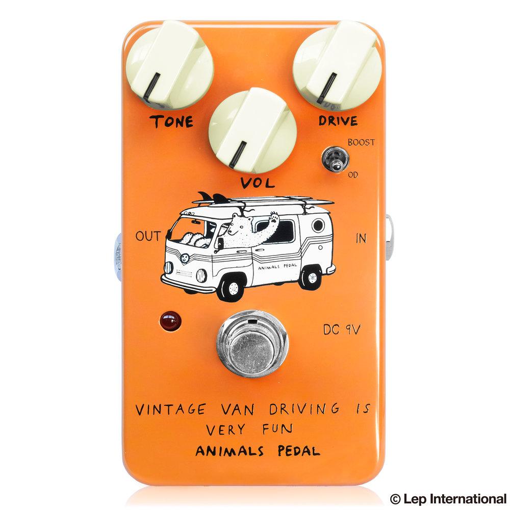 Vintage-Van-Driveing-Is-Very-Fun-01.jpg