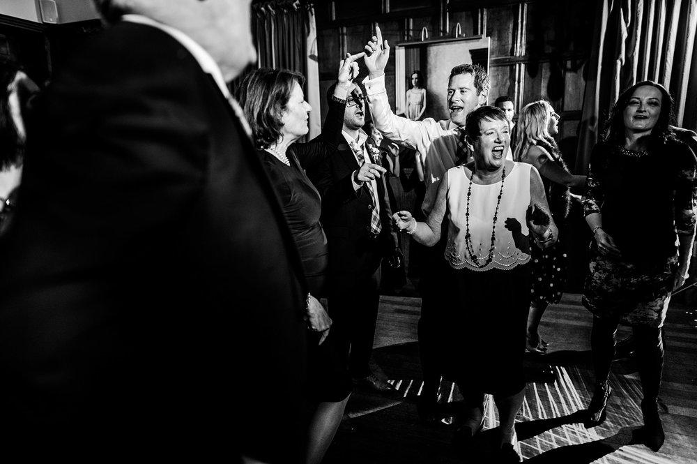Bibury-Court-Wedding-Photos-0019.jpg