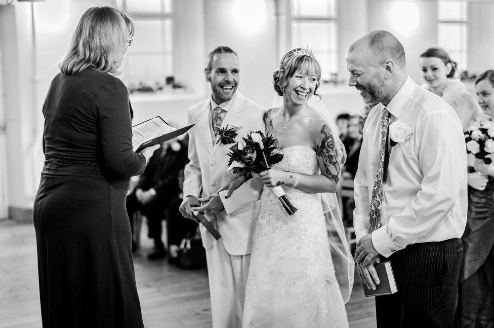 Stroud-Wedding-Photographer-0010.jpg