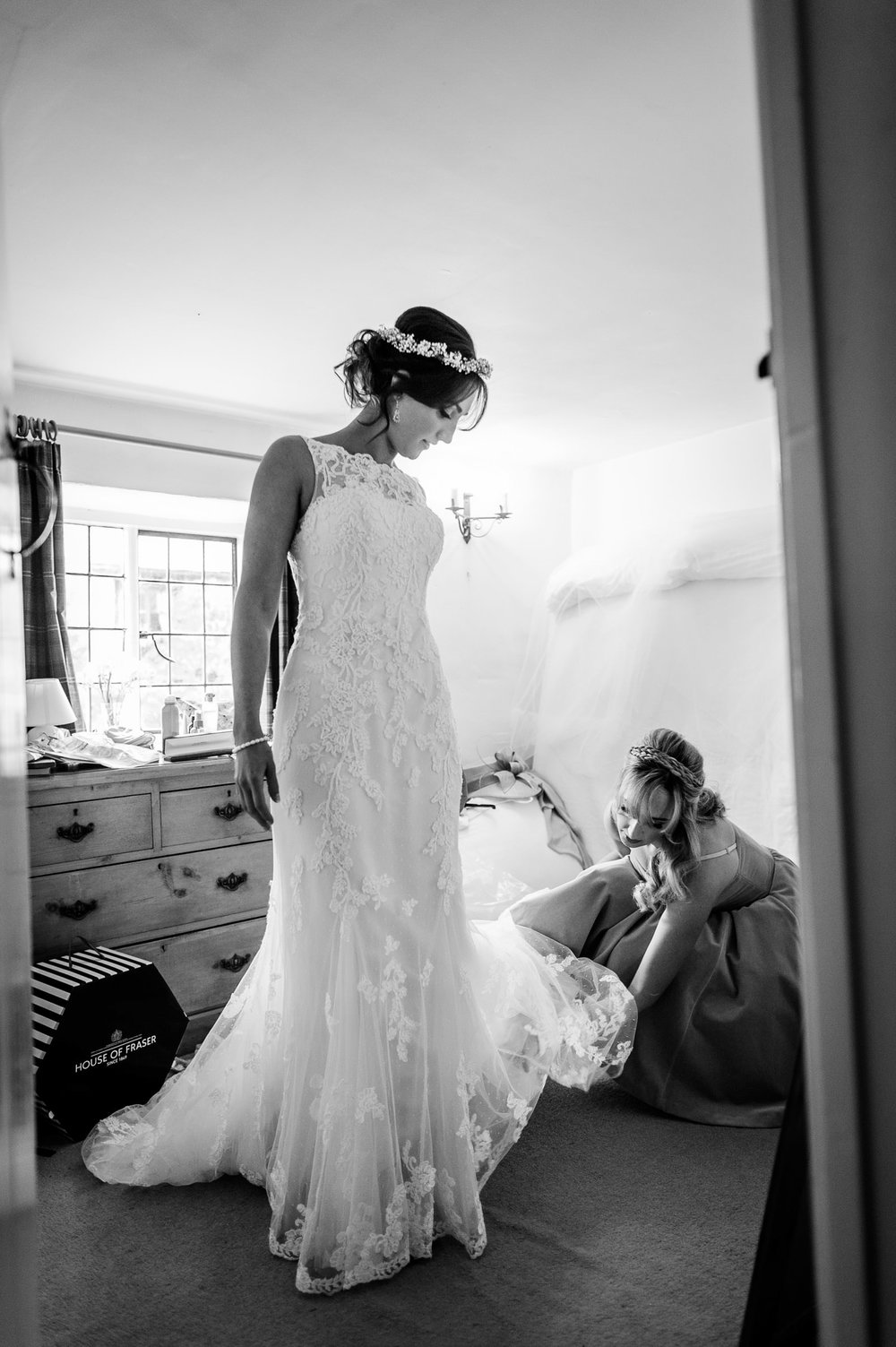 Notley Tythe Barn Reportage Wedding Photos 003.jpg