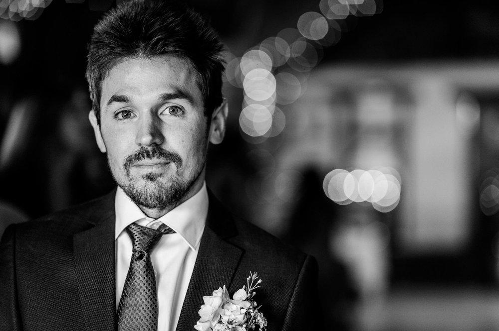 Notley Tythe Barn Reportage Wedding Photos 012.jpg