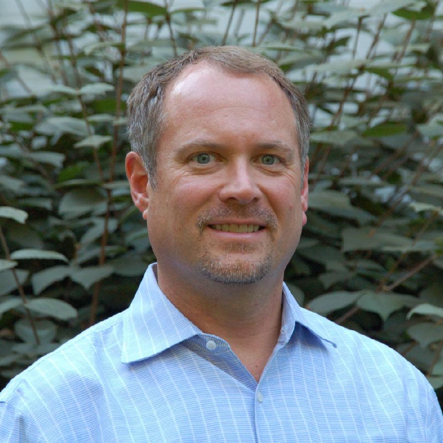 Greg Reinauer_headshot-01.jpg
