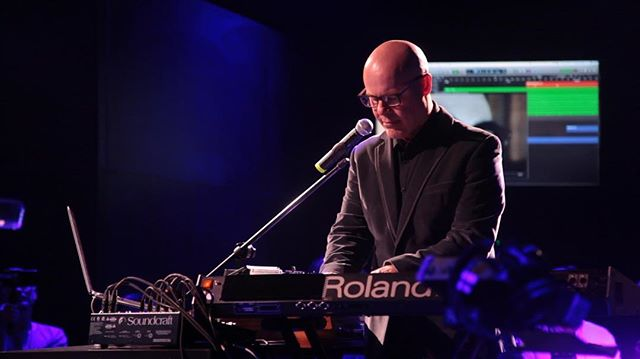 A surprise performance at the @roland_us event from synth pioneer Thomas Dolby! She blinded me with science! #synths #thomasdolby #namm #namm2018 #videography