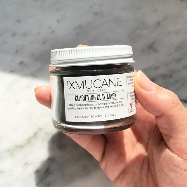 A perfect balance 🌿 detoxifying activated bamboo charcoal and soothing kaolin clay enriched with tea tree and lemongrass oils