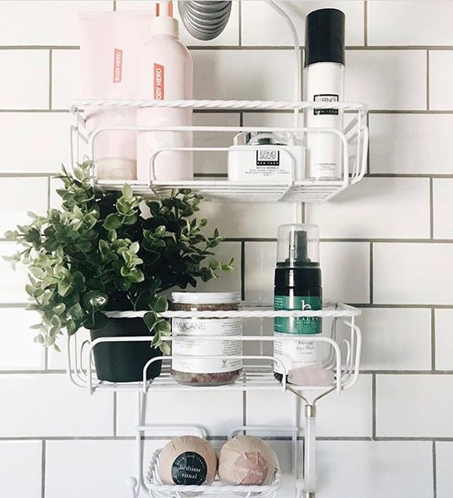 @mariahrideau is giving us major bathroom #goals and lots of spring cleaning inspo 💕 peek 👀 our Pink Salt body scrub on sale now!