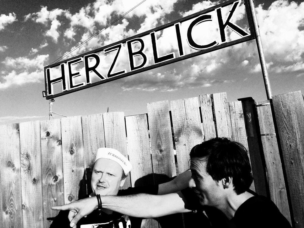 """Wohin geht die Reise? JMK im Disput mit Zukunftsforscher Holger """"Captain Future"""" G. auf dem Herzblick-Festival 2016, Mainz."""