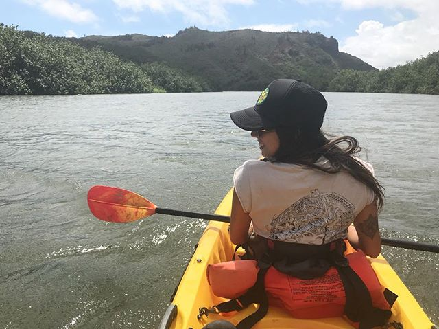 RIVER RATS 💦💦💦 Went on the most amazing hike and had to kayak to the jungle! Don't you just love nature and all it's beauty!? Check the story for BTS footage 🌈✨ . . . . . #rootssea #handmadejewelry #jewelry #jewelrydesigner #bossbabe #lifestyle #adventure #hike #kayak #hiking #optoutside #wanderlust #travelblogger #travel #islandlife #aloha #hawaii #smile #paddle #longhairdontcare #californiagirl #kauai #paradise #tropical #jungle #nature #travelbug #beachbabe #shopsmall #smallbusiness