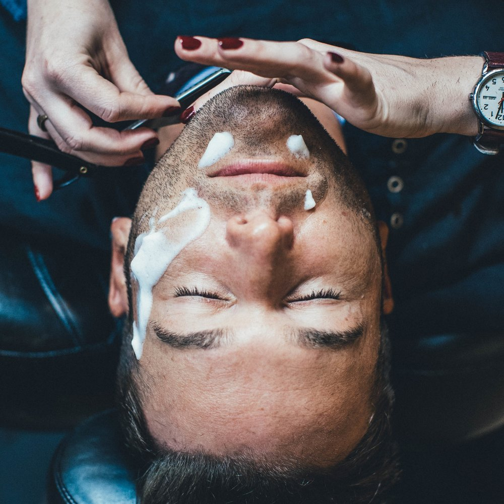 straight razor shave at the qg barbershop