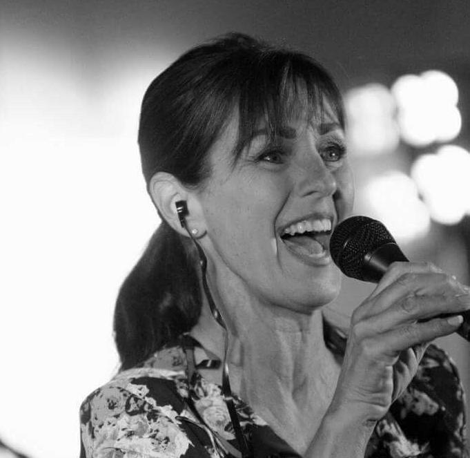 Sharyn Vinci sings the blues
