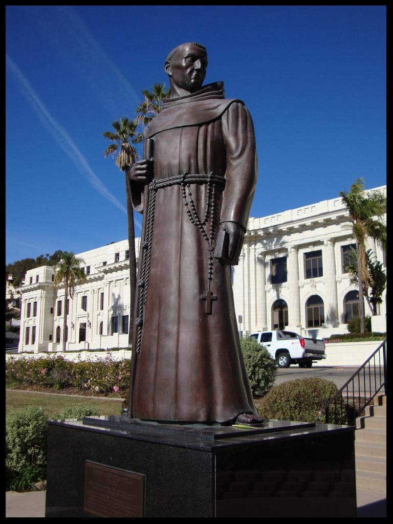Statue of St. Junípero Serra - Ventura, California