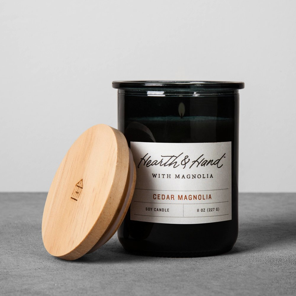 Cedar Magnolia Candle - Smells like heavenly Christmas.