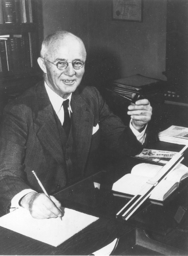 Kouwenhoven at his desk in the 1950s.