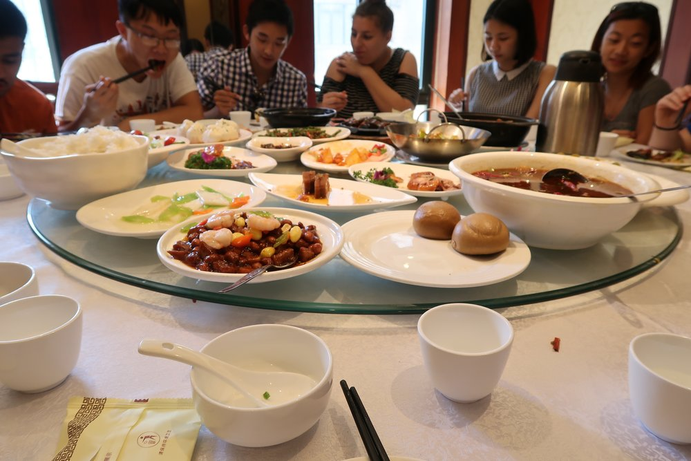Group lunch after visiting Shanghai Historical Museum.