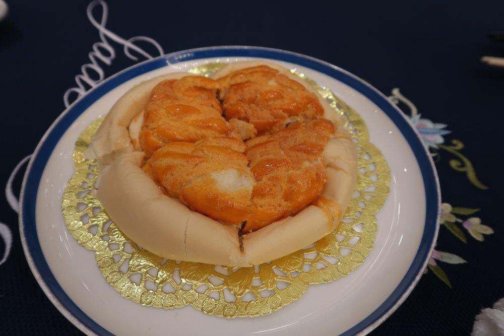Pineapple melon bun dessert from Jade Garden.
