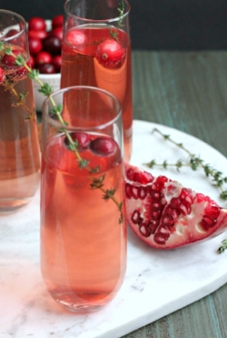 Sparkling-Berry-and-Pomegranate-Mocktail4.jpg