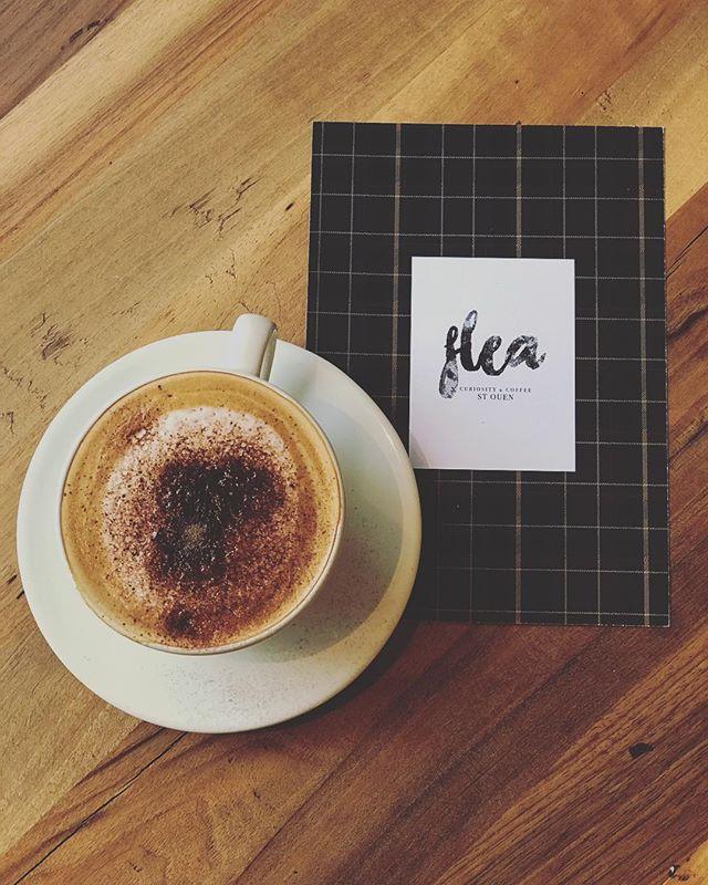 Hello week-end, happy to see you ❤️ Flea est ouvert demain et dimanche de 10h à 18h pensez à réserver pour le Brunch de dimanche il reste quelques places... . . . #saintouenfleamarket #coffeeshop #conceptstore #brunch #sundaybrunch #lespucesdesaintouen #coffeetime