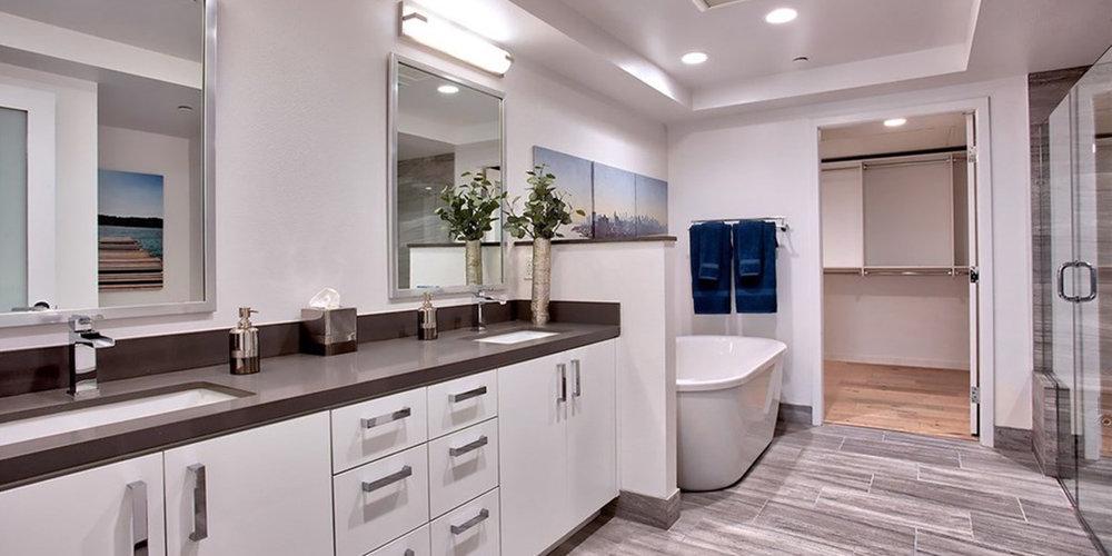 4240 Bath.jpg