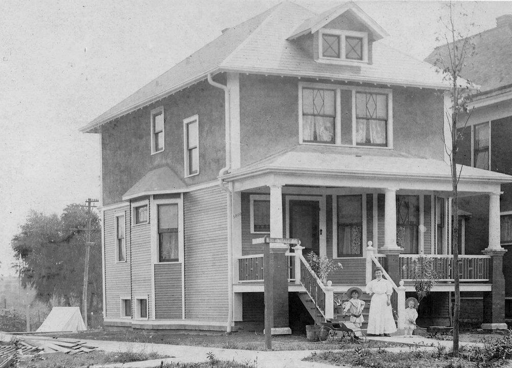 Theodore Rozek House, 1908