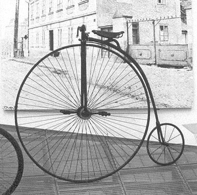 High-wheeler, Agnieszka Kwiecień (Nova) (Own work) [ GFDL  or  CC BY-SA 3.0 ]