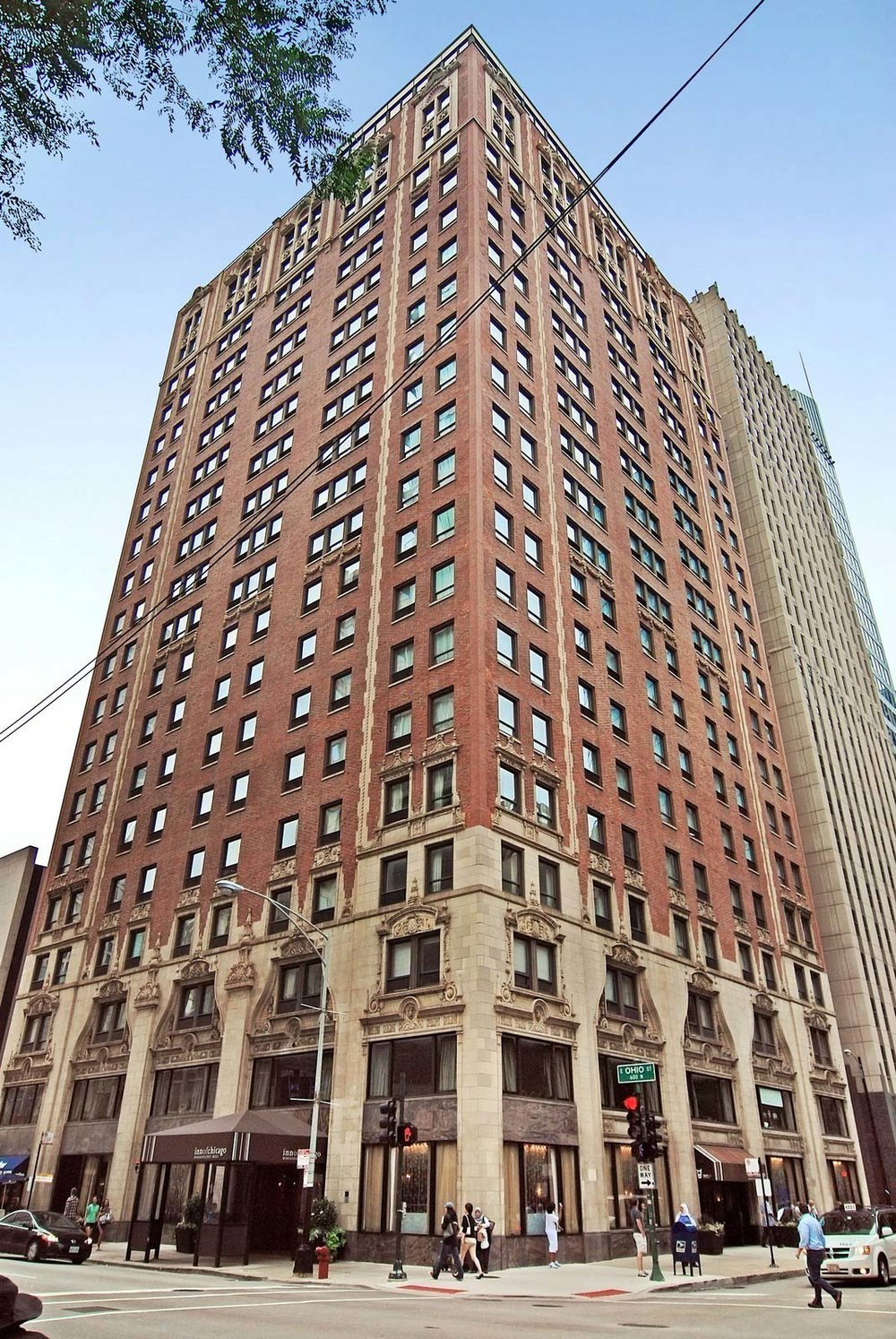 The Hotel St. Clair is now the Inn of Chicago, 2016.