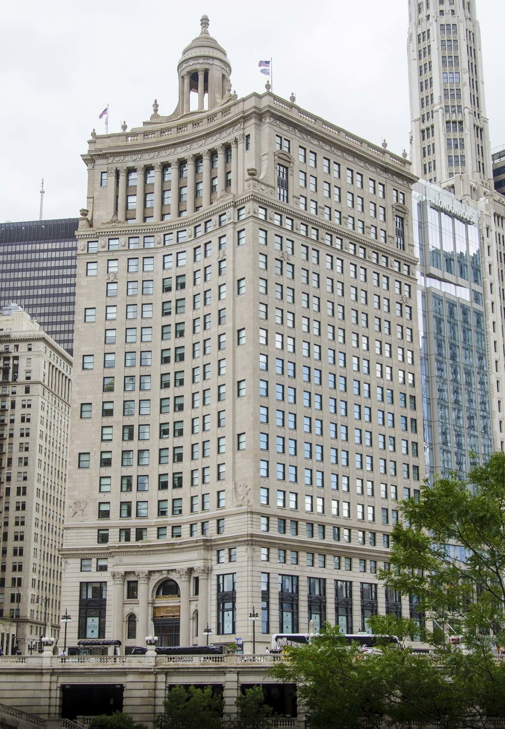 London Guarantee and Accident Building, 85 E. Wacker Drive. Photo by Eric Allix Rogers.