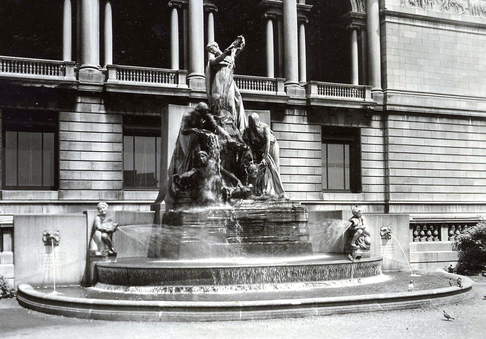 Fountain of the Great Lakes , ca. 1940. Chicago Park District Records: Photographs, Special Collections, Chicago Public Library.