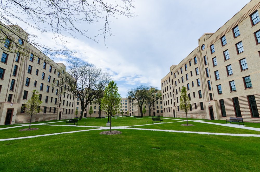 Michigan Boulevard Garden Apartments, also known as Rosenwald Courts, was designed by Ernest A. Grunsfeld, Jr., at the same time as he was producing plans for the Adler Planetarium. Photo by Eric Allix Rogers.