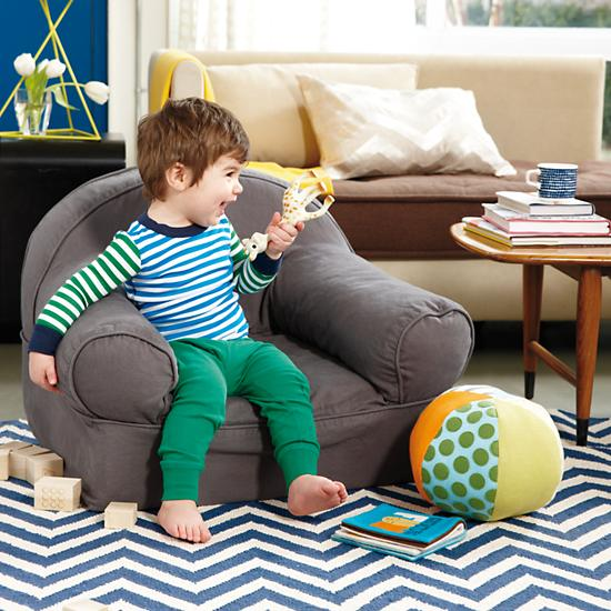 chevron-and-on-rug-dk.-blue