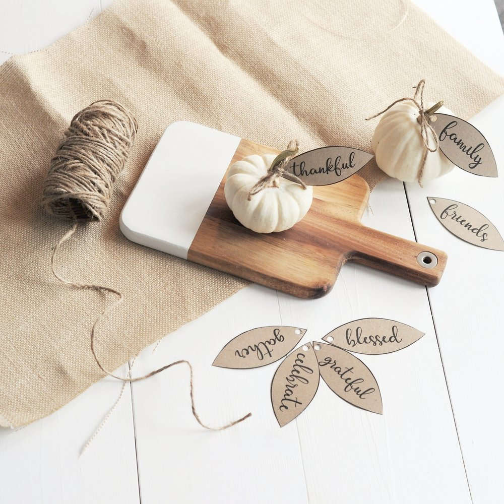 Simple DIY Thanksgiving Place Setting and Gift