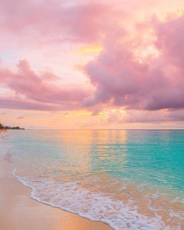 Cotton Candy Sunsets 🏖🌅 📸 @kevinandamanda #My7Gen