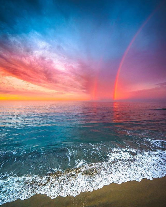 Moody sunsets & rainbows 😍 - A rainbow is a meteorological phenomenon that is caused by reflection, refraction and dispersion of light in water droplets resulting in a spectrum of light appearing in the sky. | 📸 @lifewithkahlil  #My7Gen
