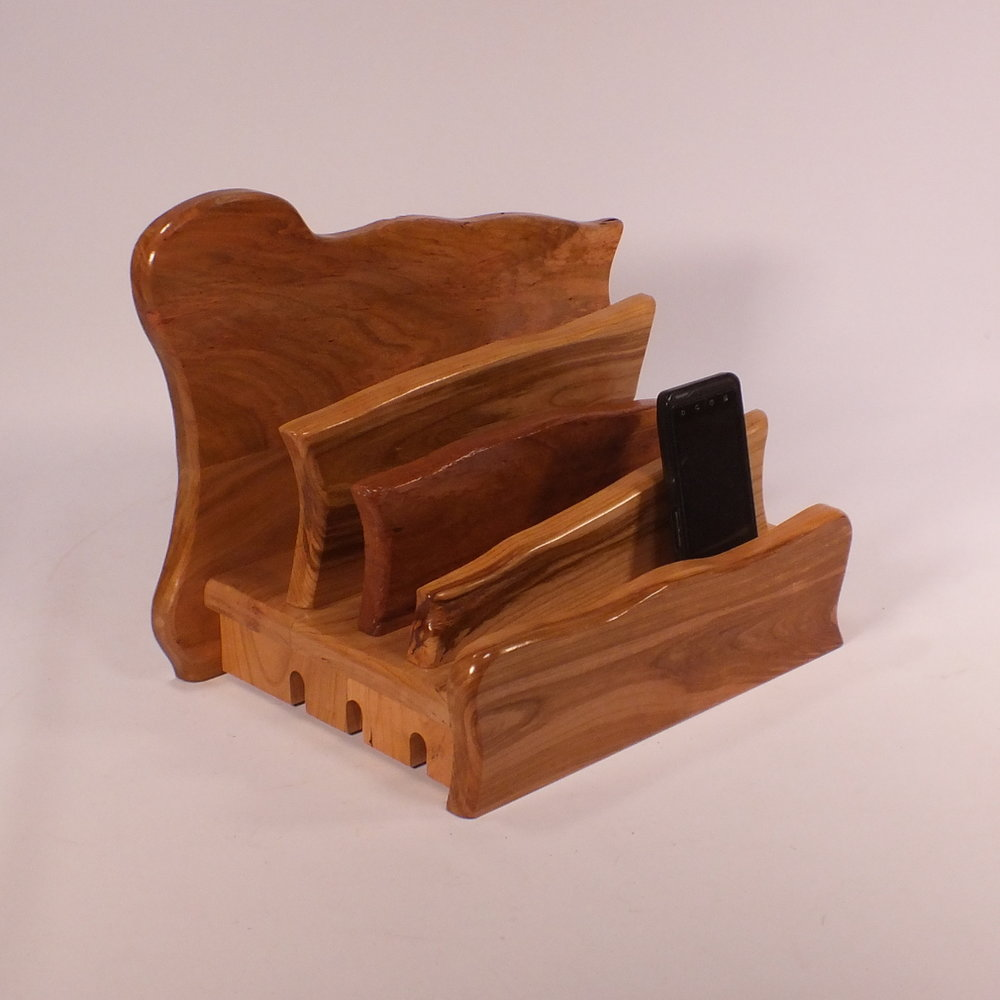 sq diag phone-2-tb-knotty-m-semo-1-3-17-Charging-Station-Tech-Tamer-Woodworks.Jpg
