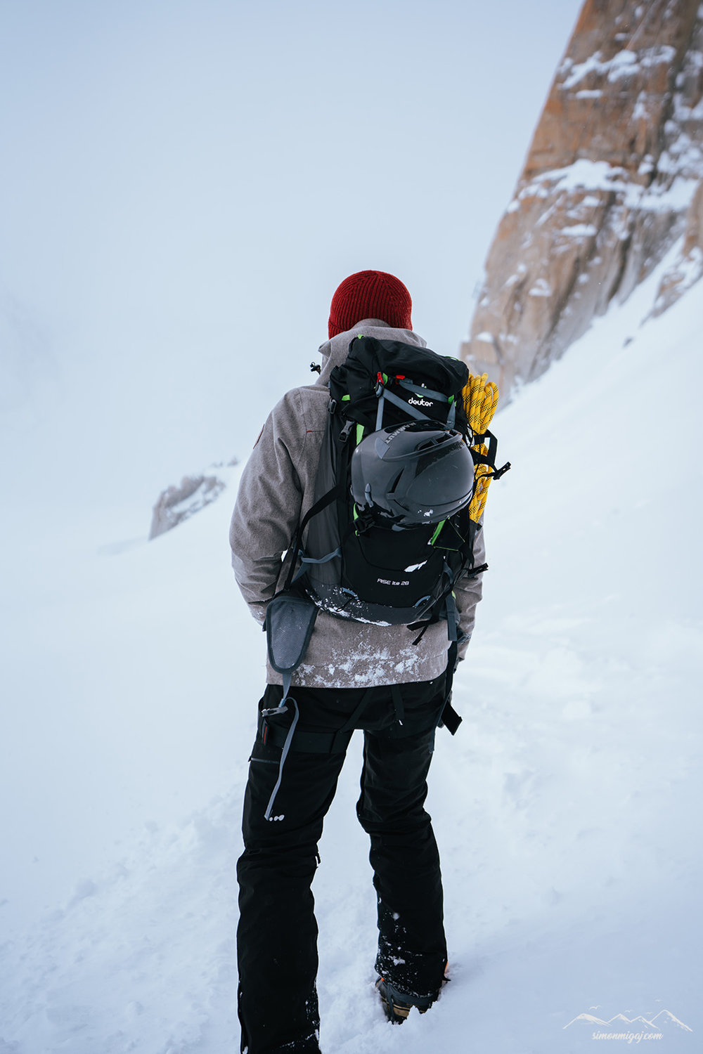 on-the-way-to-refuge-des-cosmiques-with-deuter.jpg