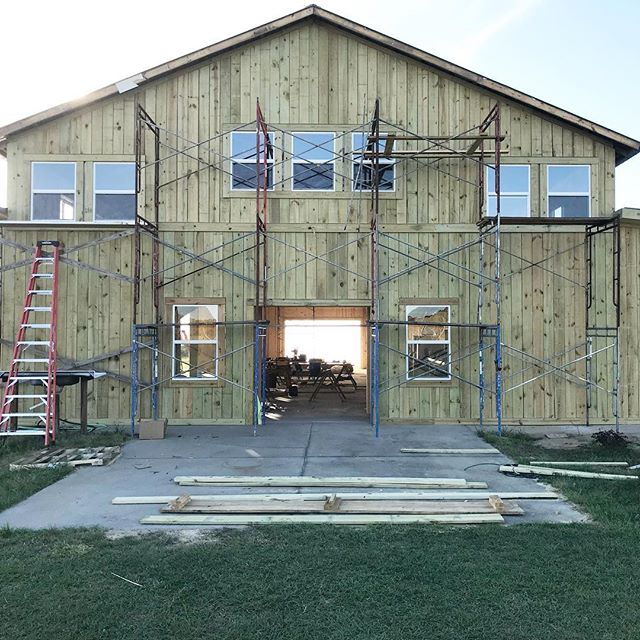 The legacy barn is extremely close to being complete for events happening this year! As construction comes to an end we will be posting more pics of the barn and of the farm as we get ready for the summer! 👍🏻